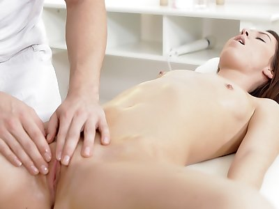 Spectacular brown-haired luvs banging on the massage table