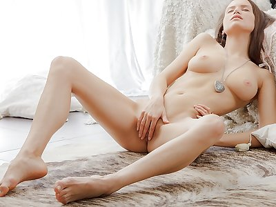 Erotic luxurious video with a female stroking